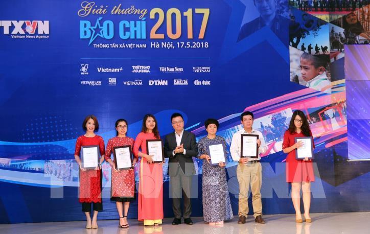 Lễ trao Giải báo chí Thông tấn xã Việt Nam 2017 - hình 7