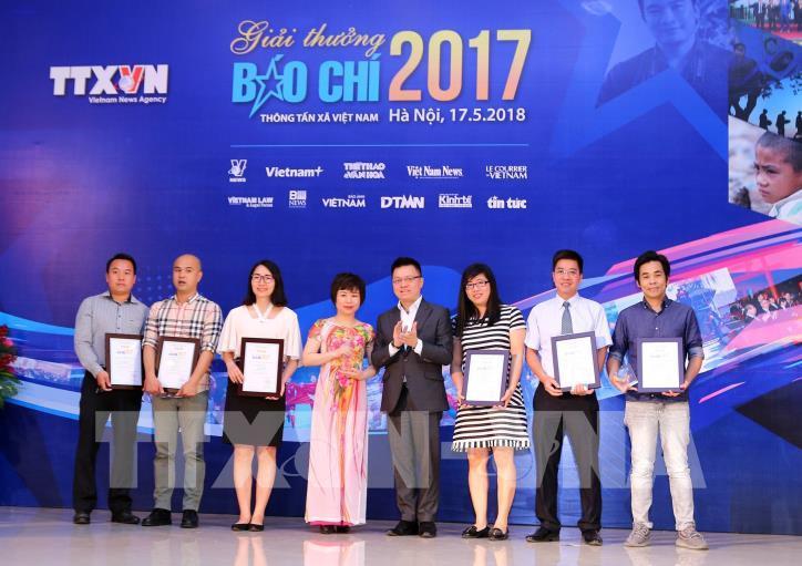 Lễ trao Giải báo chí Thông tấn xã Việt Nam 2017 - hình 10