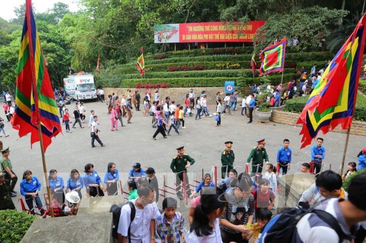 Người dân cả nước về dâng hương tưởng niệm các vua Hùng - hình 2
