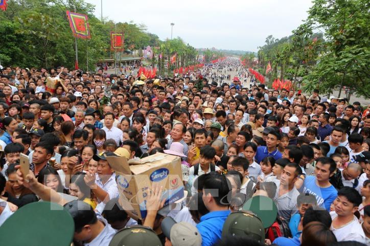 Người dân cả nước về dâng hương tưởng niệm các vua Hùng - hình 3