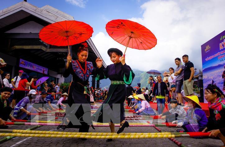 Hơn 6.000 người tham gia đã xác lập kỷ lục nhảy sạp tại Fansipan - hình 1