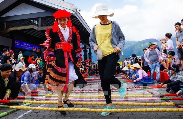 Hơn 6.000 người tham gia đã xác lập kỷ lục nhảy sạp tại Fansipan - hình 2