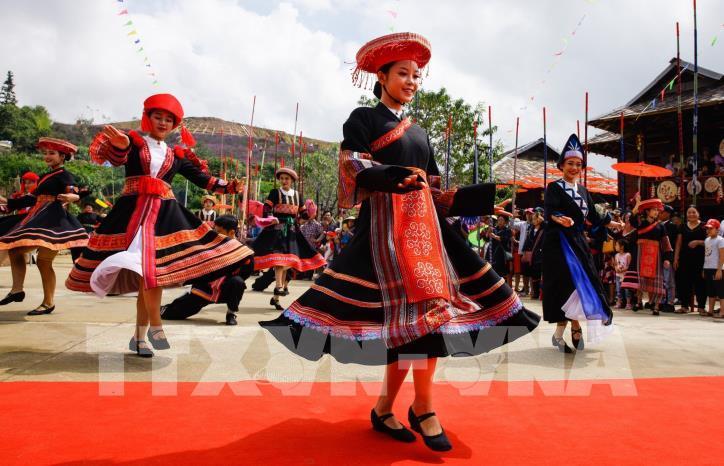 Hơn 6.000 người tham gia đã xác lập kỷ lục nhảy sạp tại Fansipan - hình 3