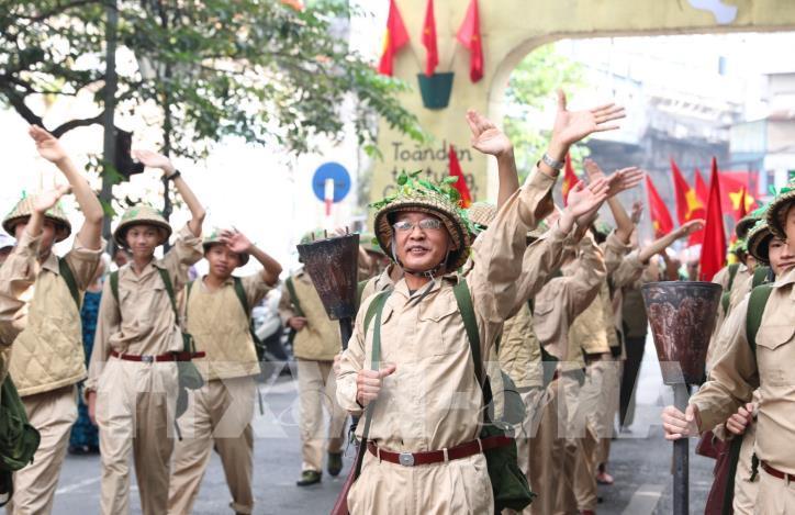 """Kỷ niệm 65 năm Ngày Giải phóng Thủ đô: Chương trình """"Ký ức Hà Nội - 65 năm"""" - hình 6"""