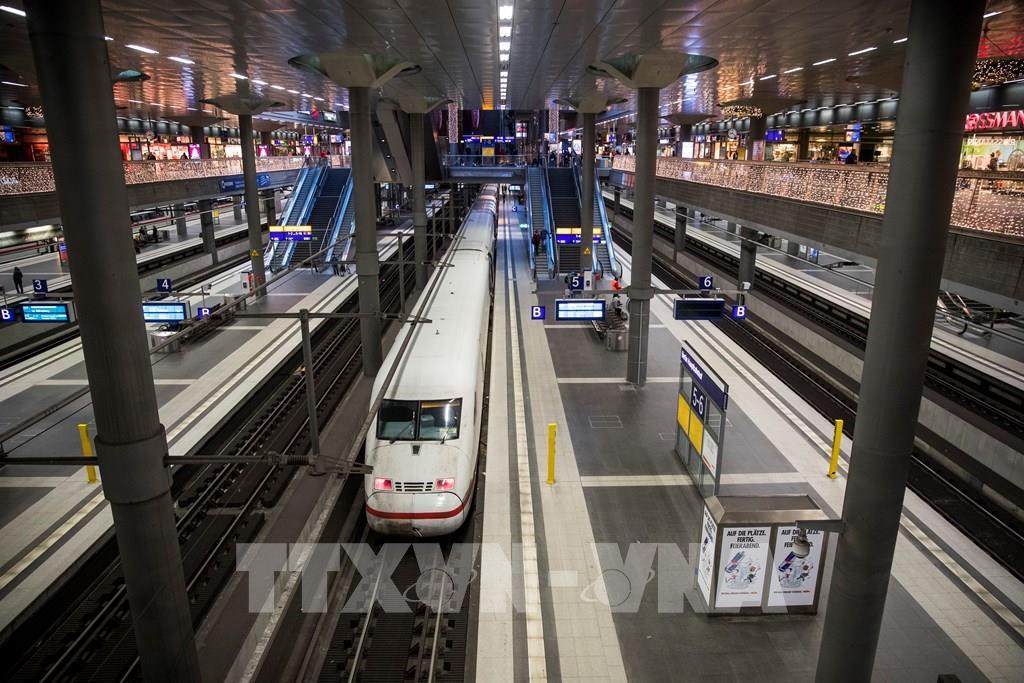 Đức có kế hoạch ''bơm tiền'' hỗ trợ công ty đường sắt Deutsche Bahn