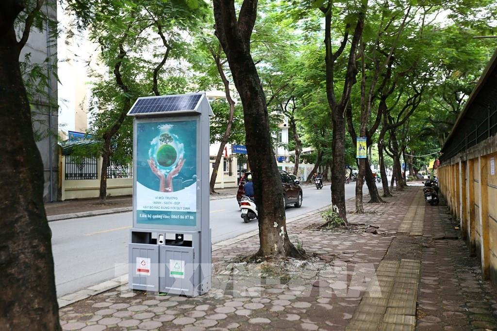 Thùng rác công nghệ trên đường phố Hà Nội