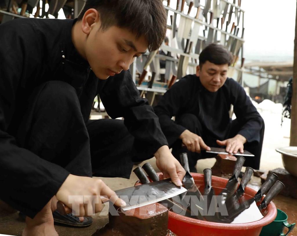 """Ở nơi """"ầm ĩ"""" và """"nóng"""" nhất Cao Bằng có làng truyền thống hơn 300 năm tuổi - Ảnh 12."""