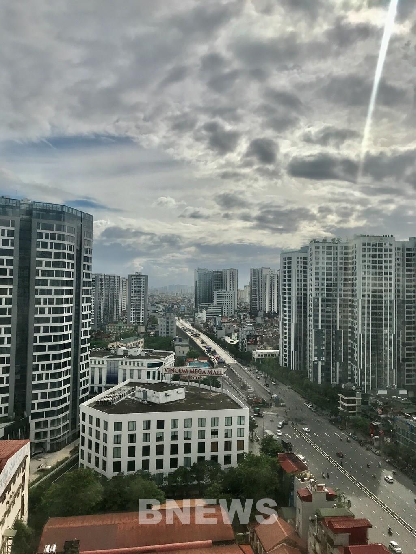Dự báo thời tiết hôm nay 23/6: Hà Nội có mưa rào và rải rác có dông. Ảnh: Đức Hạnh/BNEWS/TTXVN