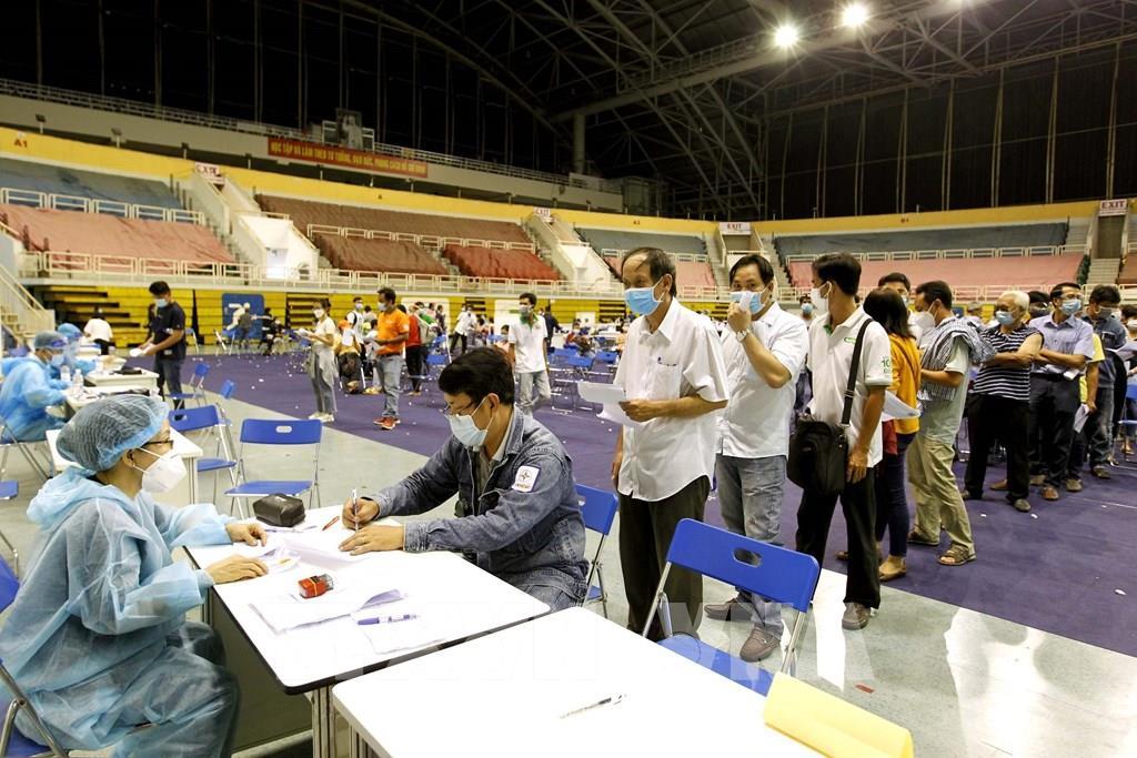Trưa 3/7: Thêm 330 ca mắc COVID-19 trong nước, Tp. Hồ Chí Minh có đến 249 ca