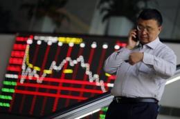 Chứng khoán châu Á giảm điểm sau số liệu kém khả quan của Trung Quốc