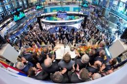 Các thị trường chứng khoán thế giới biến động trái chiều