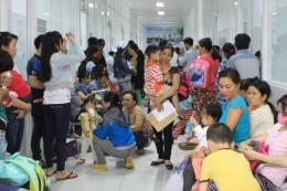 TP.HCM: Bệnh viện quá tải do gia tăng trẻ mắc bệnh về hô hấp