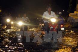 Thành phố Hồ Chí Minh: Nhiều tuyến đường bị ngập do triều cường lên cao