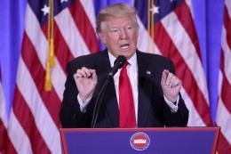 Fitch: Kế hoạch giảm thuế của ông D.Trump đe dọa xếp hạng tín nhiệm của Mỹ