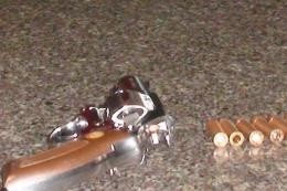 Đồng Nai: Dùng súng truy sát con nợ ngay trên đường