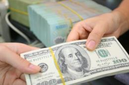 Đồng USD rơi xuống mức thấp nhất trong 13 tháng