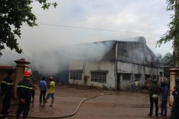 Bình Phước: Cháy lớn tại Công ty dược Bình Phú
