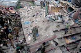 Hơn 120 người bị mất tích trong vụ sập chung cư cao tầng