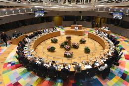 EU tiếp tục mở cửa thị trường và ngăn chặn dòng người di cư bất hợp pháp