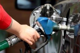 Giá dầu thế giới mất hơn 6%
