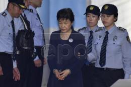 Hàn Quốc tạm gian cựu Tổng thống Park Geun-hye thêm 6 tháng