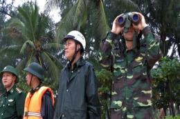 Bộ trưởng Bộ Tài nguyên và Môi trường chỉ đạo công tác ứng phó sự cố tràn dầu ở Quy Nhơn