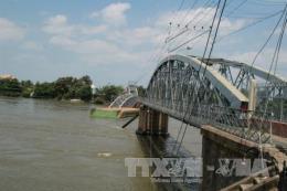 Tạm đình chỉ điều tra vụ sà lan đâm sập cầu Ghềnh khiến tuyến đường sắt Bắc – Nam tê liệt