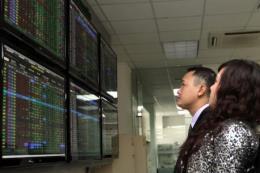 Chứng khoán ngày 15/3: Cổ phiếu vốn hóa lớn bị bán mạnh