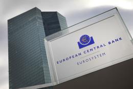 ECB hạ dự báo tăng trưởng hai năm 2018 và 2019