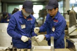 Doanh nghiệp khẩn trương sản xuất ngay sau Tết