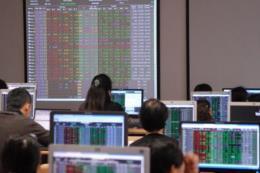 Chứng khoán ngày 21/5: Dòng tiền yếu, thị trường giảm sâu