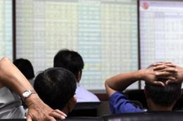 Chứng khoán ngày 26/8: VN – Index giảm gần 10 điểm
