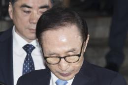 Tòa tuyên phạt cựu Tổng thống Hàn Quốc Lee Myung-bak 20 năm tù