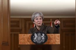 Mỹ, Anh, Pháp tấn công Syria: Thủ tướng Anh đối mặt nguy cơ bị chỉ trích tại Quốc hội