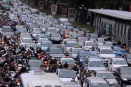 Giá cho thuê xe ô tô tự lái dịp nghỉ Lễ 30/4 và 1/5 tăng đột biến