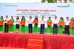 Khánh thành và bàn giao Nhà lớp học Trường THCS Biển Động do Vietcombank tài trợ 3 tỷ đồng