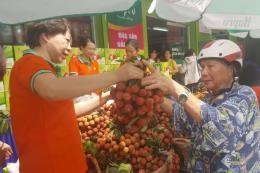 Thị trường thực phẩm đặc sản sôi động dịp Tết Đoan Ngọ
