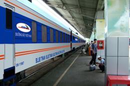 Đường sắt ngừng chạy nhiều đoàn tàu tuyến Hà Nội – Lào Cai do mưa lũ