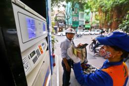 Quỹ bình ổn xăng dầu Petrolimex giảm 4 tỷ đồng