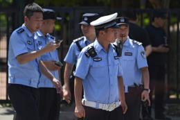 Lực lượng an ninh Trung Quốc phong tỏa khu vực Đại sứ quán Mỹ tại Bắc Kinh