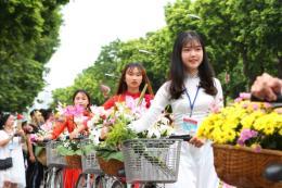 Tưng bừng lễ hội đường phố tại Phố đi bộ hồ Gươm