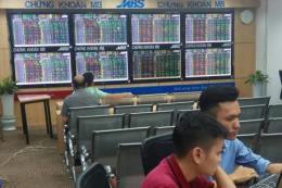 Chứng khoán ngày 1/8: Thị trường giao dịch giằng co và rung lắc mạnh