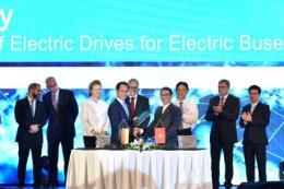 VinFast và Siemens Việt Nam ký hợp đồng sản xuất xe buýt điện