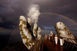 Du khách quốc tế sốt xình xịch vì Cầu Vàng, Đà Nẵng