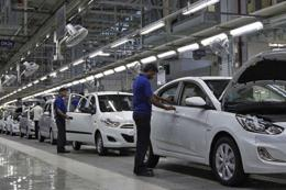 Xuất khẩu ô tô của Hàn Quốc tiếp tục có xu hướng chậm lại