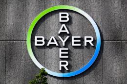 Giá cổ phiếu của Bayer tiếp tục giảm xuống 76,01 euro/cổ phiếu