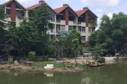 Hồ Ngòi ở Hà Nội ngang nhiên bị san lấp và lấn chiếm