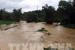 Lũ trên sông ở Nghệ An tiếp tục xuống nhưng có nguy cơ sạt lở đất ở vùng núi