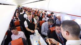 Lượng khách đi máy bay trên toàn cầu lần đầu phá mốc 4 tỷ lượt người