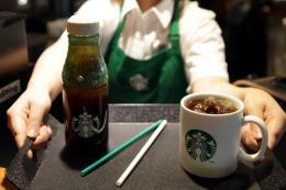 Starbucks bắt đầu thay thế ống hút bằng giấy tại Hàn Quốc